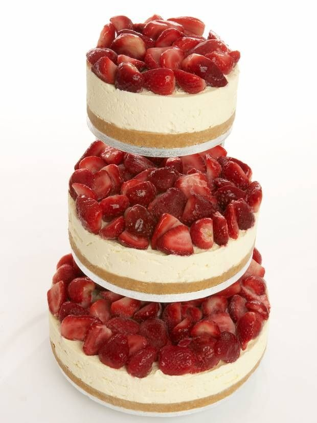Unusual #wedding #cake strawberry #cheesecake We love unusual wedding cakes at GMC Weddings in Cornwall and Devon