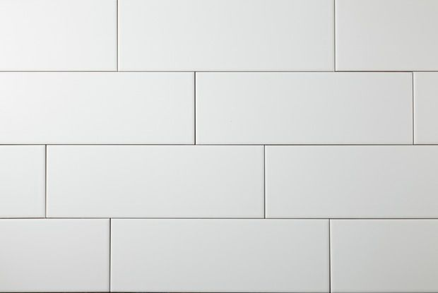 Best 25 subway tile bathrooms ideas on pinterest white for Matte bathroom tiles