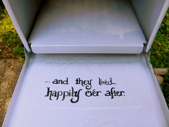 We could paint this on the inside of our actual mailbox or wedding mailbox card holder!