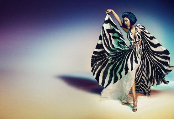 Nicki Minaj, on a plutôt l'habitude de la voir bouger une certaine partie de son anatomie. Pour Roberto Cavalli, maison dont elle est la nouvelle égérie, elle danse avec les volutes de sa robe z�