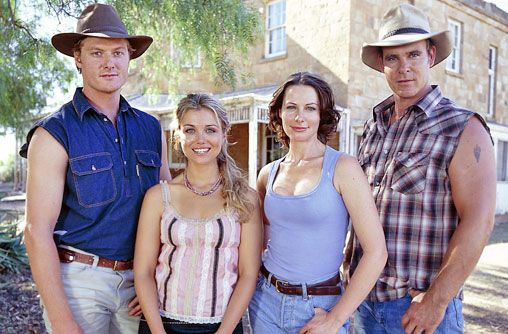 (From the left) Nick, Tess, Claire, Alex. Of McLeods Daughters