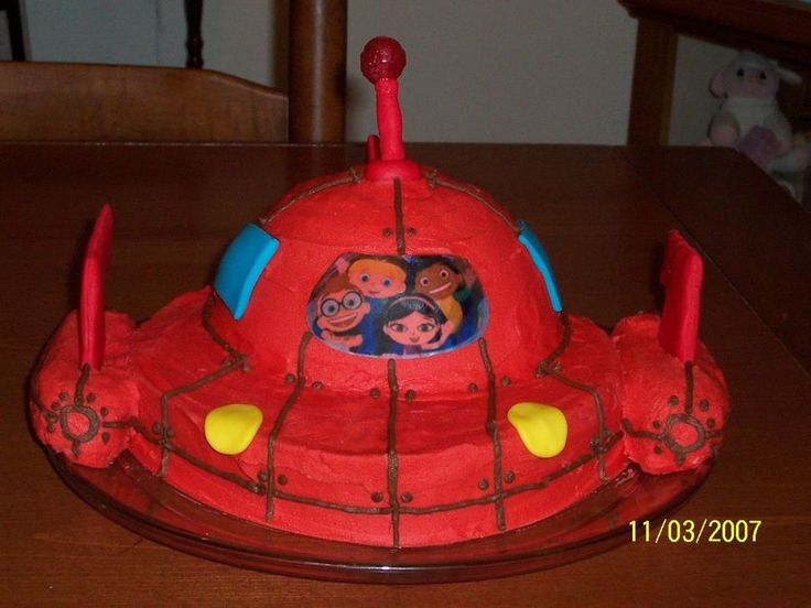 Little Einsteins Rocket Ship Cake This was for my daughter's fourth birthday party. It was easier to make than I had originally...