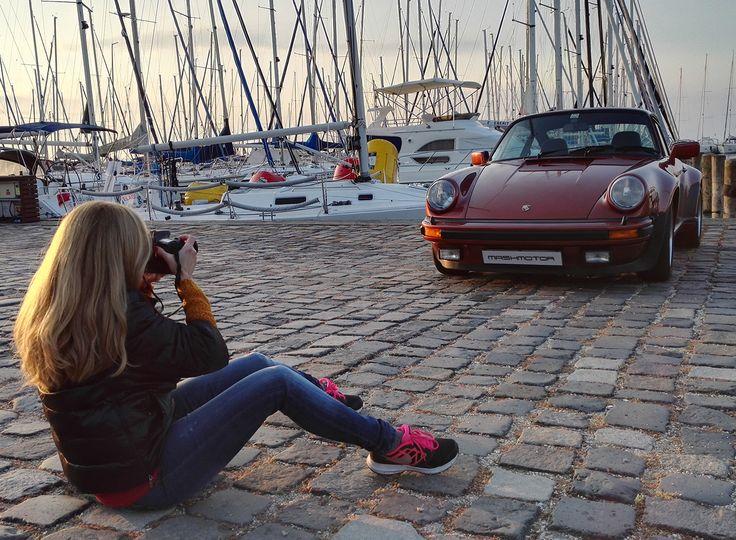 Dawn! 🌅 I love it! Turbo 1977  Restoration by Mashmotor @mashmotor 👈 #mashmotor #porsche #restoration #carrera #photography #carphotography #i #port #balaton #yacht #sailboat #iwork #dawn #morning #aircooled #lake #luxurycar #mobilephoto #woman #blondehair #1977 #porschelove