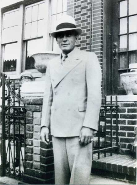 """""""The lower East side of New York and the colorful gangsters who emerged from within its boundaries have always intrigued and mystified people everywhere. This is """"Jimmy, """"The Shiv"""", Death House Barber of Sing Sing. He was a gangster.   via Jodi DeStefano--Jimmy """"The Shiv""""'s daughter"""