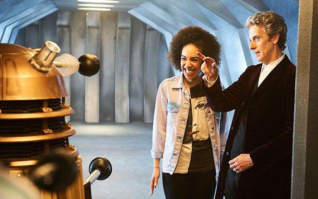 Doveva essere la stagione degli addii, ma si è rivelata essere quella delle opportunità mancate. Cosa non ha funzionato nella decima stagione di Doctor Who?