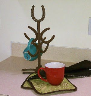 17 best ideas about western homes on pinterest western for Horseshoe kitchen decor