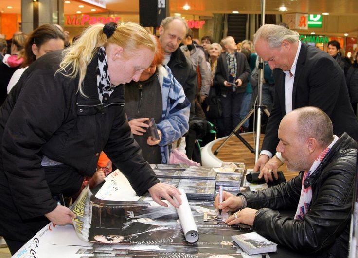 Olaf Henning im Allee-Center Essen