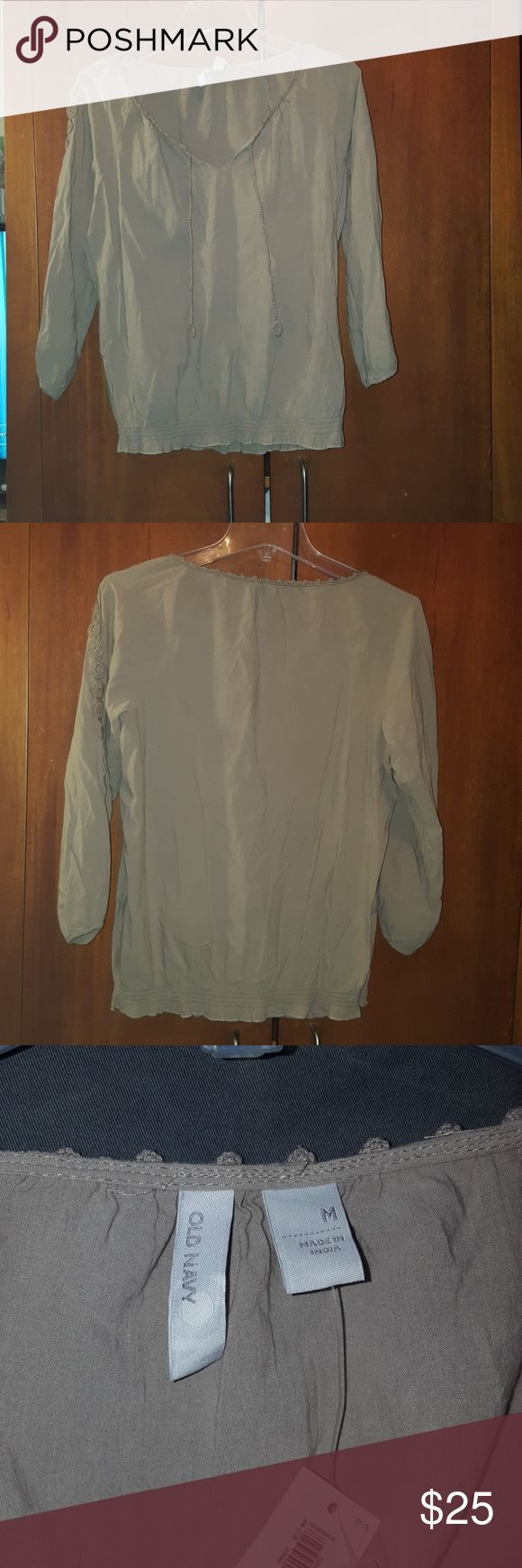 Old navy  women blouse Long sleeves, v neck . Soft, medium-weight cotton flannel. Slightly fitted through body. Shirt hits below waist Old Navy Tops Blouses