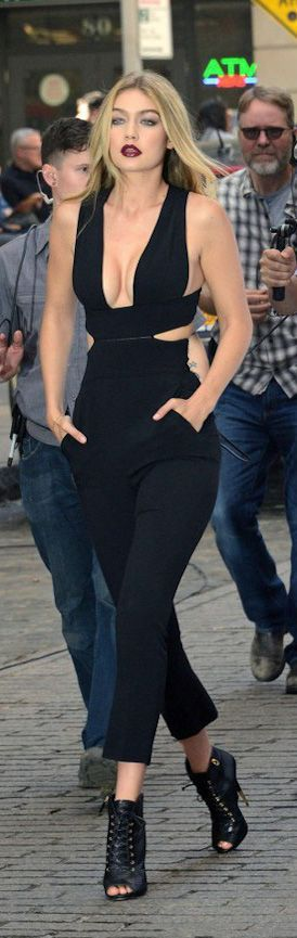 street style black jumpsuit @wachabuy http://wachabuy.com/50-summer-outfits-worth-copying/