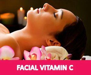 FACIAL VIT C.  Manfaat Vitamin C Untuk Kecantikan  Masker Vitamin C memiliki kemampuan ampuh menyerap minyak pada kulit wajah. Masker Vit C juga memiliki kemampuan untuk mengangkat sel-sel kulit wajah yang sudah kering dan mati. Dua kemampuan tersebut membuat Treatment Facial Vitamin C sangat baik untuk menjaga kecantikan wajah.