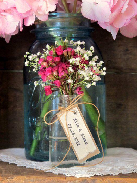 Flower Vase Favors for Place Cards, Favors + Decor in One! | http://emmalinebride.com/favors/flower-vase-favors/
