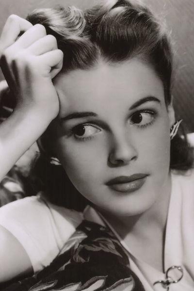Judy Garland, 1940's, just gorgeous!