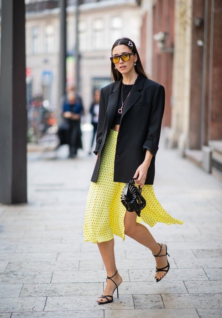 3 jeitos de usar blazer de uma maneira mais casual | Saias amarelas, Ideias fashion, Looks