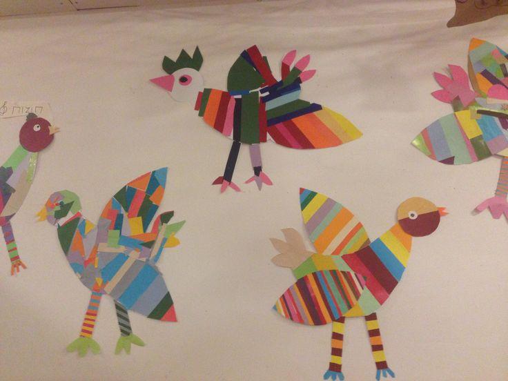 Színes madarak,csoportmunkában készítve, mozaik technikával. A mintákat maguk találták ki.