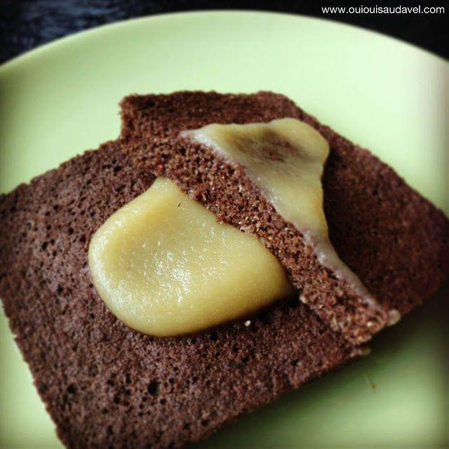 OuiOui Saudável: Pão de banana com quinoa e farinha de alfarroba