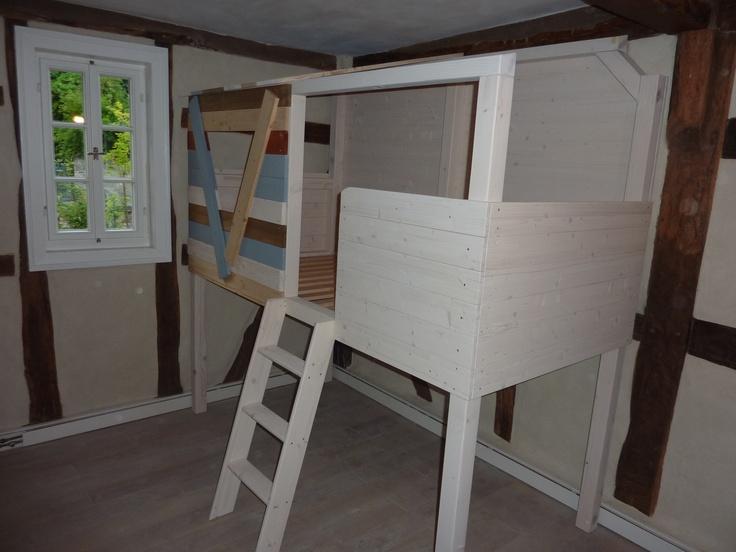 Ein Baumhaus Im Kinderzimmer Dieses Bett Steht In Einem