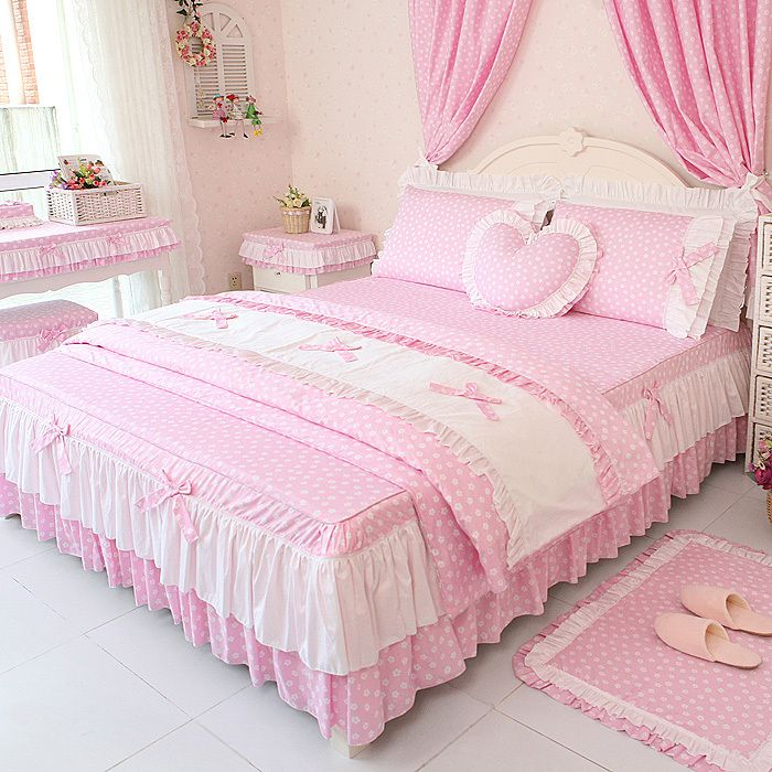 Such cute bedding! Korean style bedding