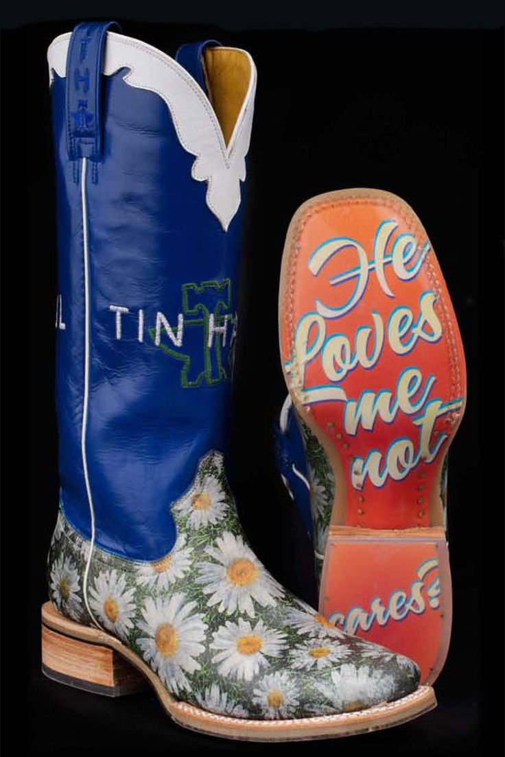 Tin Haul Boots Women's Blue Daisy Cowgirl Boots.  LOVE THESE!!