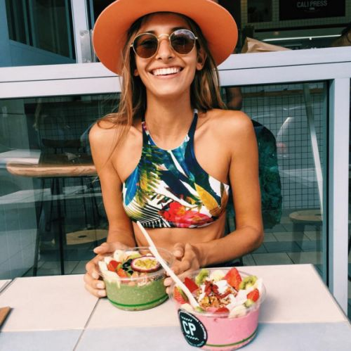 @kamplainnn ❃  health lifestyle smoothie bowl photography summer