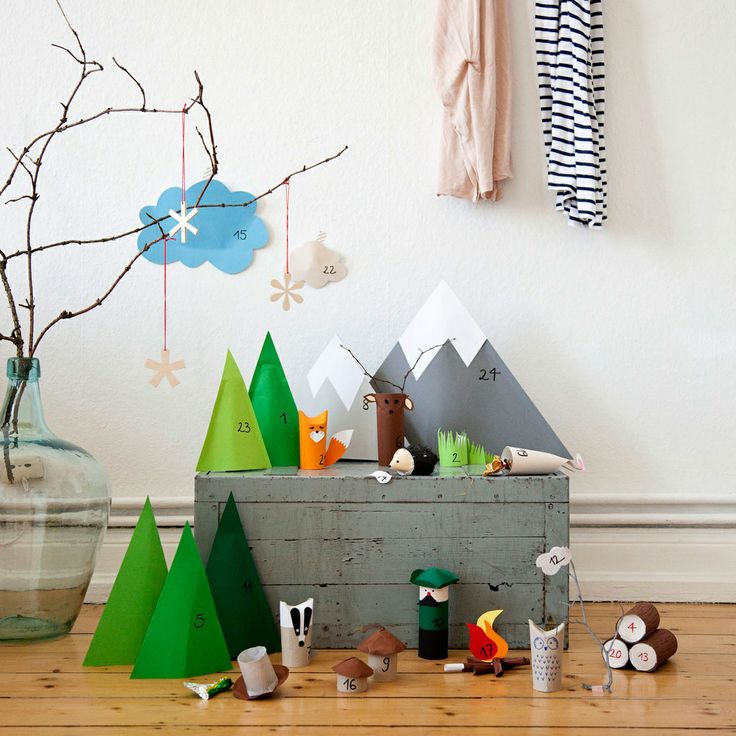 Advent, Advent... Woodland paper scene containing prizes/treats, adorable.