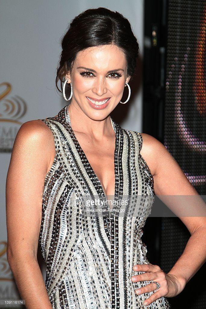 Jacqueline Bracamontes arrives at Univision's Premio Lo Nuestro a La Musica Latina at American Airlines Arena on February 16, 2012 in Miami, Florida.