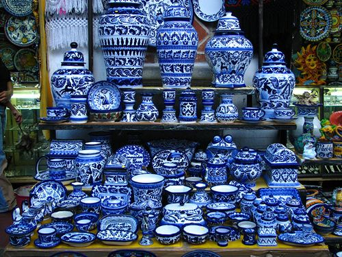 puebla mexico talavera - Blue & White Plateware