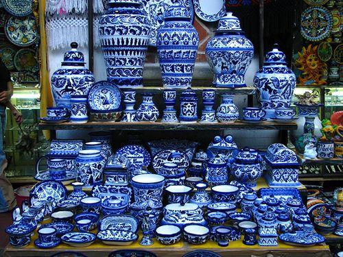 puebla mexico talavera - Blue & White Plateware
