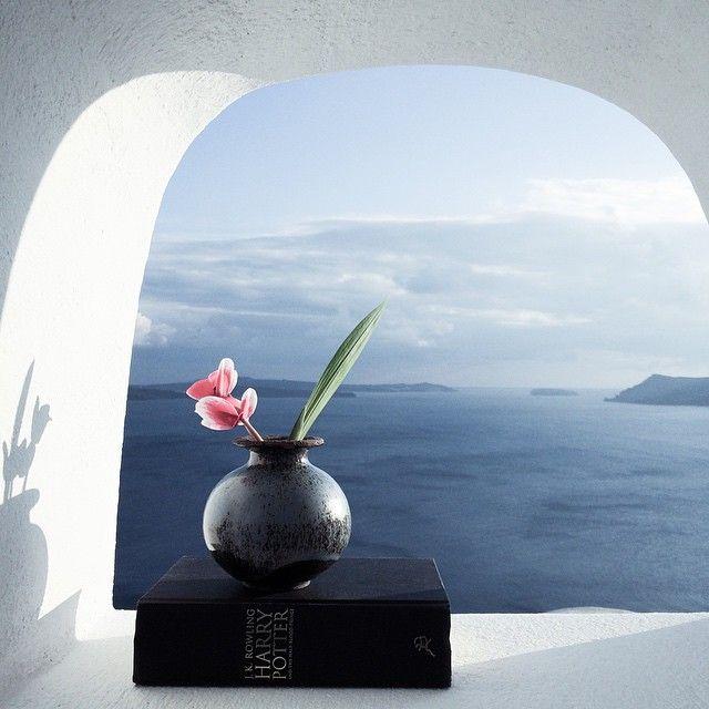 Στη ζωή μου μεγάλοι ευεργέτες τα ταξίδια και τα ονείρατα ... ~ Νίκος Καζαντζάκης  #Santorini