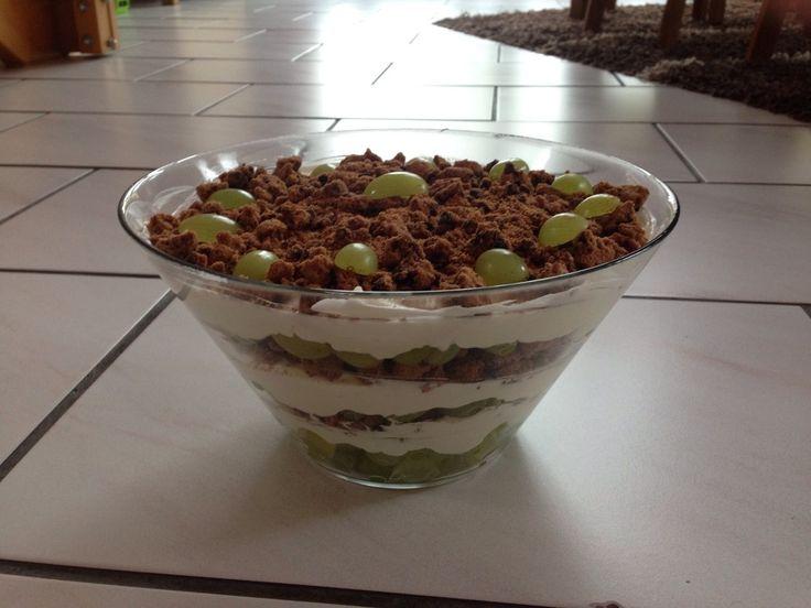 Dessert mit Weintrauben 83
