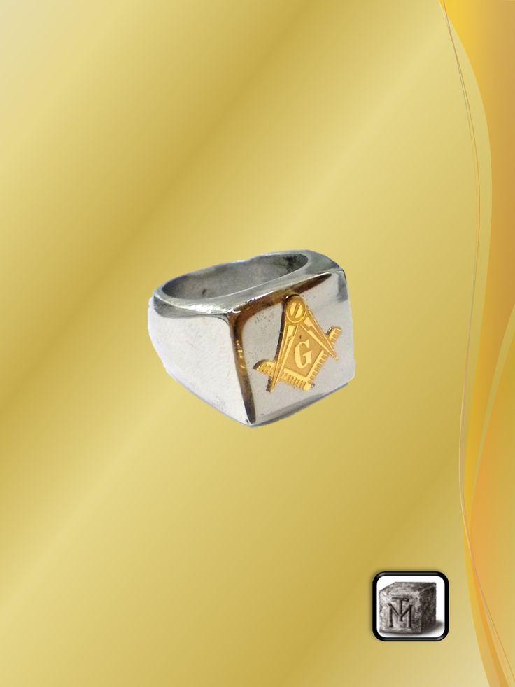 Anillo de Acero con Logo Dorado