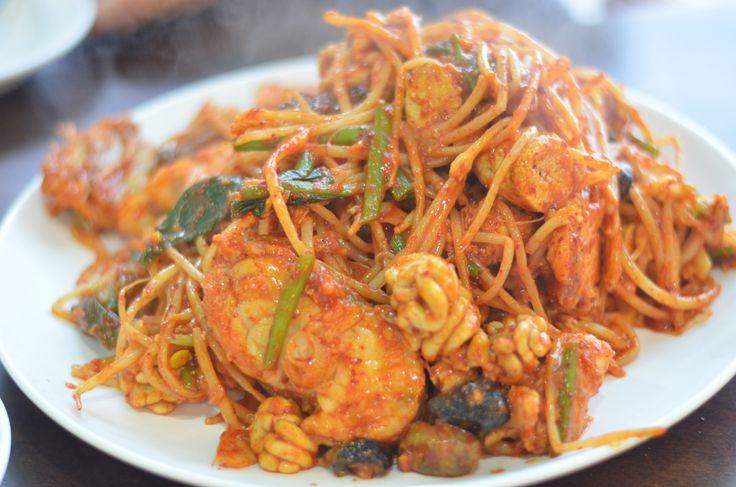 How can something so ugly taste so good? Agujjim 아구찜 (Spicy Monkfish w Soybean Sprouts) @ Bokjin Agujjim 복진아구찜 (Jeju City)