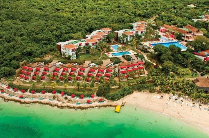 Reserva una de las 366 habitaciones de Hotel Royal Decameron Barú, Isla Barú