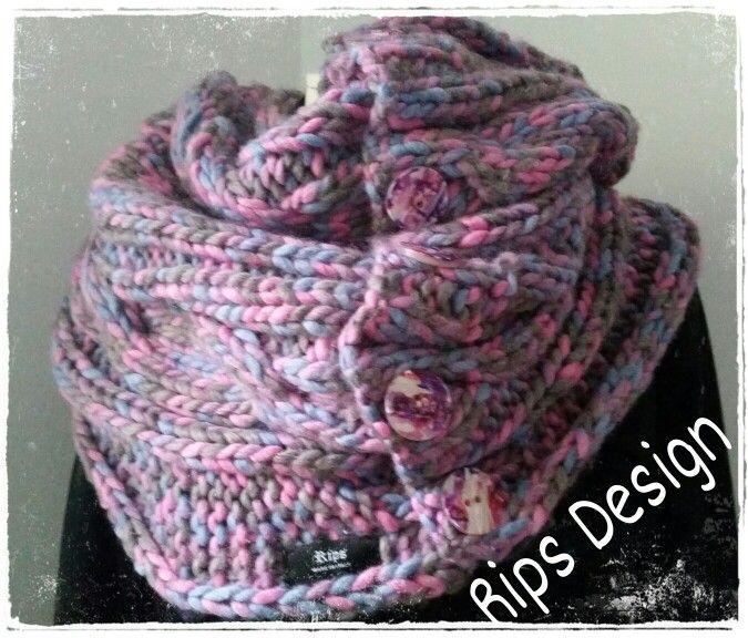 Rips Design Collo in lana multicolor chiuso da bottoni Pagina Facebook : Rips Design