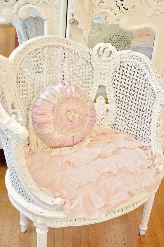 Shabby chic fauteuils du monde pinterest shabby chic for Fauteuil shabby chic