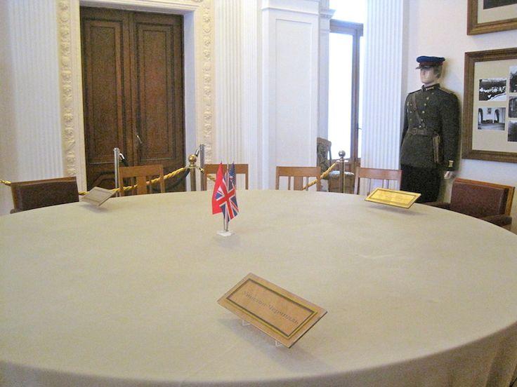 За этим столом Сталин, Черчилль и Рузвель принимали судьбаносные решения