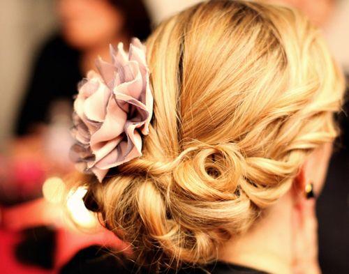 Pretty: Hair Ideas, Weddinghair, Hair Flowers, Bridesmaid Hair, Beautiful, Prom Hair, Curls, Hair Style, Wedding Hairstyles