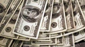 Nilai tukar atau kurs rupiah di akhir tahun diperkirakan lebih tinggi dari proyeksi pemerintah di Rancangan Anggaran Pendapatan dan Belanja Negara Perubahan (R-APBNP) 2017 yang sebesar Rp13.400 per dolar Amerika Serikat karena dipengaruhi sejumlah sentimen.  Silahkan baca beritanya di : http://www.tabloidpendidikan.com/ekonomi-dan-bisnis/ekonom-perkirakan-rupiah-capai-rp13-450-di-akhir-tahun