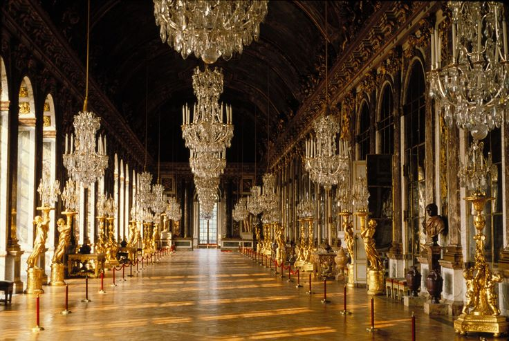 -Versailles amazing hall of mirrors
