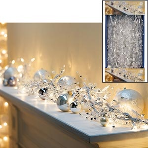 white christmasTrav'Lin Lights, White Christmas, Garlands, Christmas Ideas, Merry Christmas