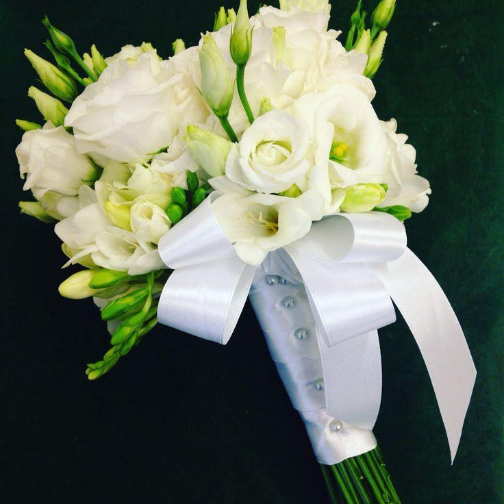 ️bouquet sposa bianco e verde,lisianthus e fresie