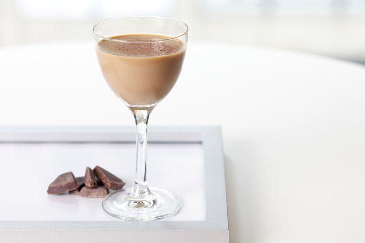 Baileys Hazelnut Martini with Baileys® Irish Cream Liquor with a Hint of…