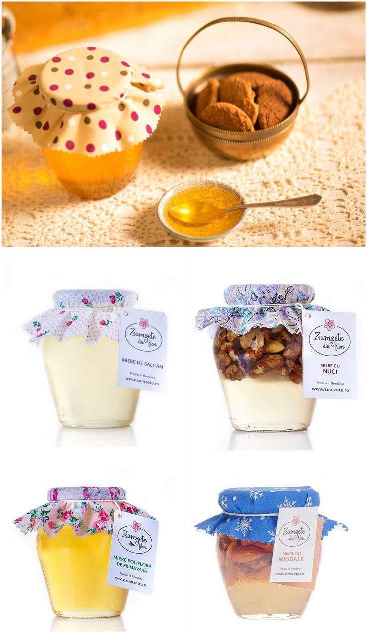 """De savurat împreună cu ceaiul de dimineață, completând gustul clătitelor ori pur și simplu în loc de acel """"ceva dulce"""" de care ai poftă, mierea Zumzete din Flori este miere curată și neprocesată, strânsă de la poalele munților Nemira, de pe malul Siretului și dealurile Tutovei, de aici și aroma plăcută și proprietățile importante pentru sănătate. Comandă pe http://realfoods.ro/ miere de salcâm, polifloră, cu nuci sau cu migdale."""