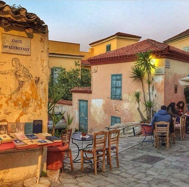 Beautiful evenings at Plaka. #Athens