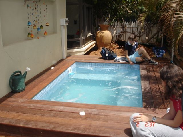 11 best images about hot tub on pinterest pools for Piscinas prefabricadas
