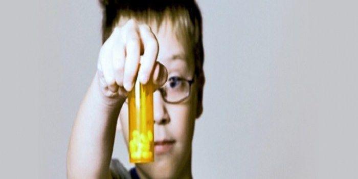 In de VS is tenminste negen procent van de kinderen gediagnosticeerd met ADHD. Ze krijgen verschillende medicijnen voorgeschreven. In Nederland lijdt drie tot vijf procent van de kinderen aan ADHD.…