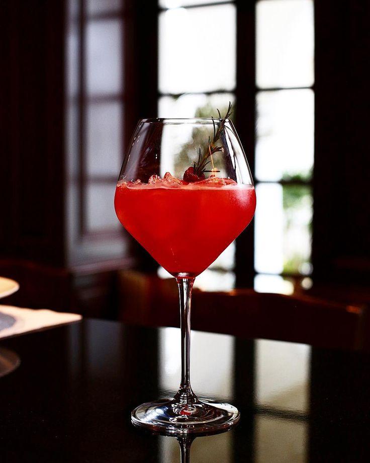 Zarza de Monte #menuhomenaje Casa Gangotena Gangotena Bar . . . . . . . . . . . . . . . . #cocktail #cocktailart #mixologist #mixology #glassware #craftcocktails #cocktailbar #quito #ecuador  #mixologyart #cocktaildesign #bar #bartender #drinkporn #vsco #kitchenbar  #travelgram  #drink #AllYouNeedIsEcuador #cocktails  #restaurant #hotel #hotelbar #sundaybrunch #cocktailporn #photography #cocktailtime #photooftheday #cocktailhour #cocktailtime #cocktaildesign