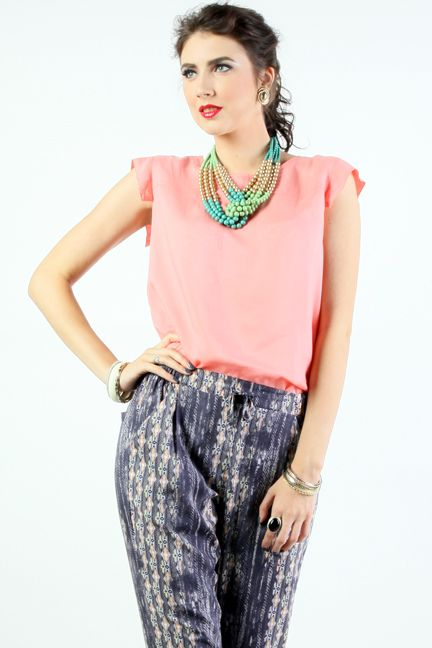 DONNA SALEM SHIRT ini bikin kamu terlihat Casual Ladies.IDR 299,900 di: http://ow.ly/ufgCW