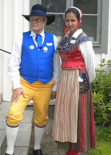 Lars Jacob wearing Sverigedräkten (Sweden Costume) and Oksana Maria Lorczak wearing Birgit Ridderstedt's Stora Tuna costume of Dalecarlia  Place: Fornby folkhögskola, Borlänge, Sweden