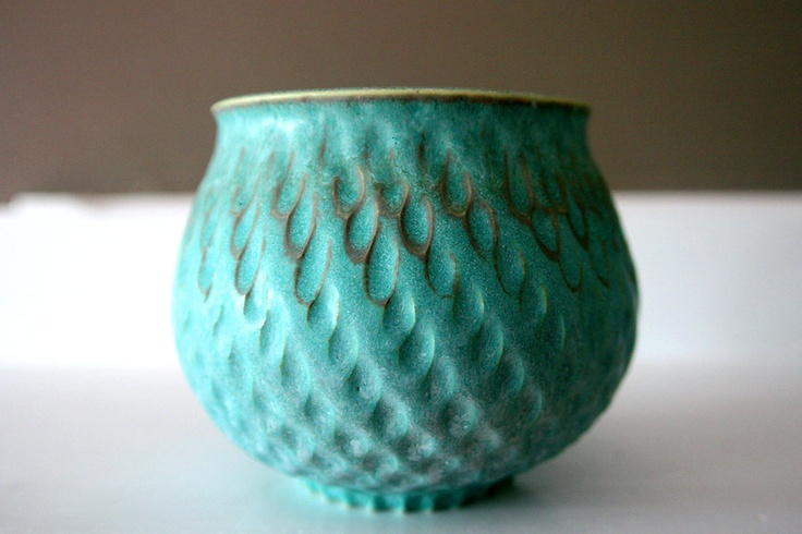 Turquoise Stoneware Vessel Carved with Raindrops: Stoneware Vessel, Hands Thrown, Ceramics Art, Hands Carvings, Turquoi Stoneware, Turquoise Stoneware, Ceramics Bowls, Art Pieces, Carvings Art