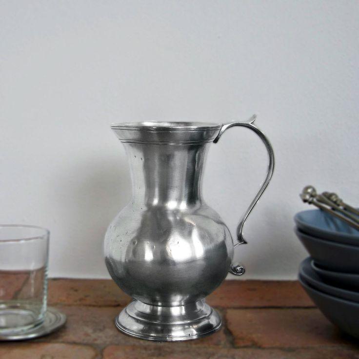 Pewter Pitcher - Height: 20 cm (7,9″) - Food Safe Product - #jug #pitcher #pewter #brocca #caraffa #peltro #krug #zinn #zinnkrug #étain #etain #pichet #peltre #tinn #олово #оловянный #tableware #dinnerware #drinkware #table #accessories #decor #design #bottega #peltro #GT #italian #handmade #made #italy #artisans #craftsmanship #craftsman #primitive #vintage #antique